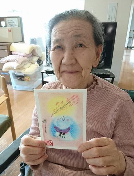 パステルアートを高齢者レクで実践したときの写真です。パステルアートでお地蔵様を描きました。