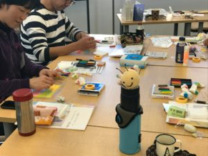 3色パステルアート教室風景